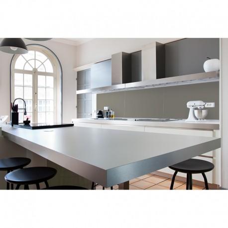 Cr dence plan de travail cuisine style gris clair laqu - Plan de travail cuisine gris clair ...