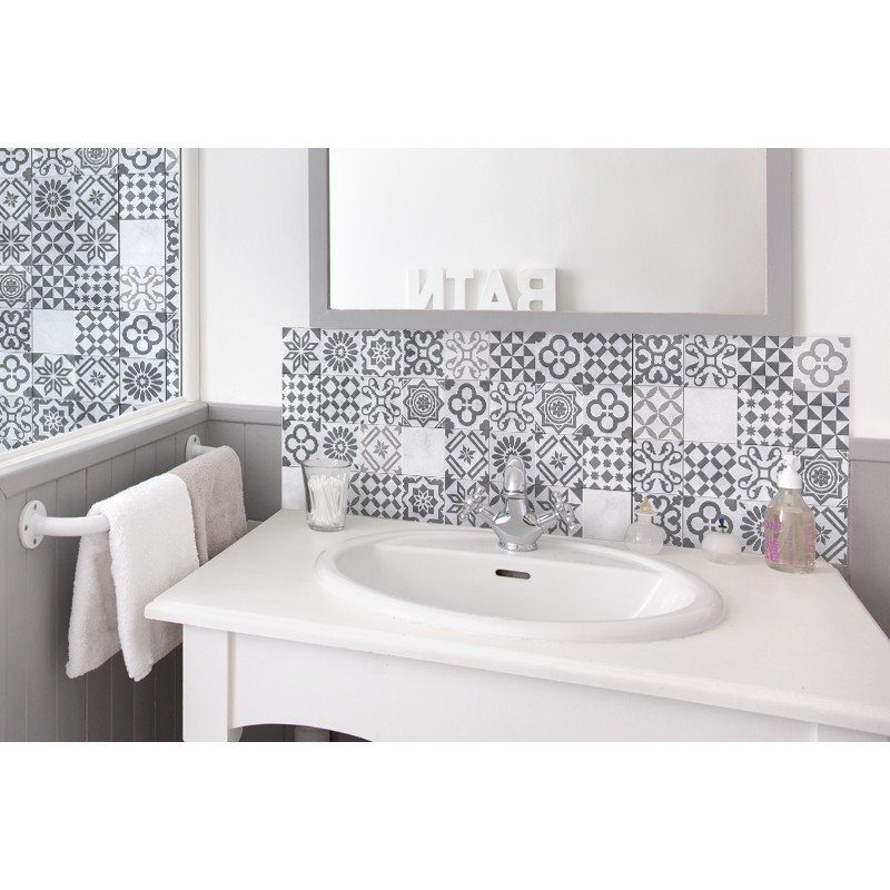 Cr dence salle de bain carreaux de ciment gris - Carreau de ciment salle de bain ...